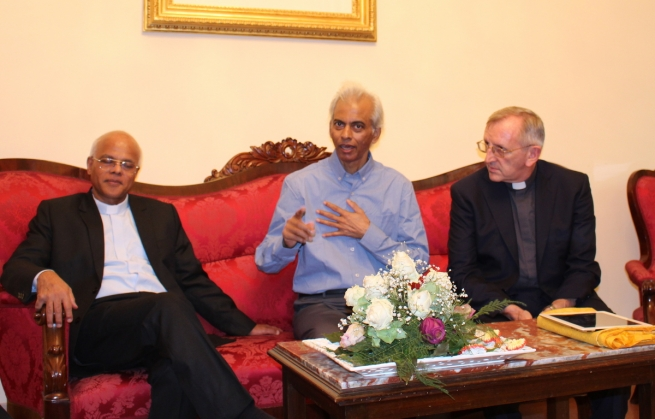 Vatican - Fr Tom Uzhunnalil finally among confreres, in St. Peter shadow